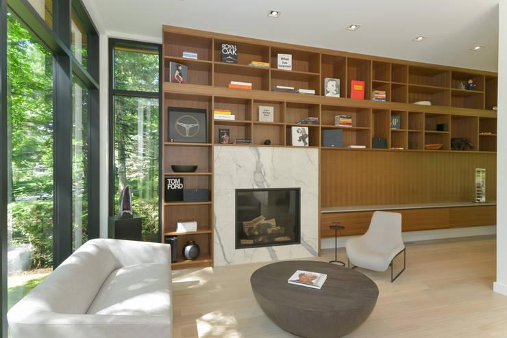 Rockcliffe Park:  Living room by Flynn Architect