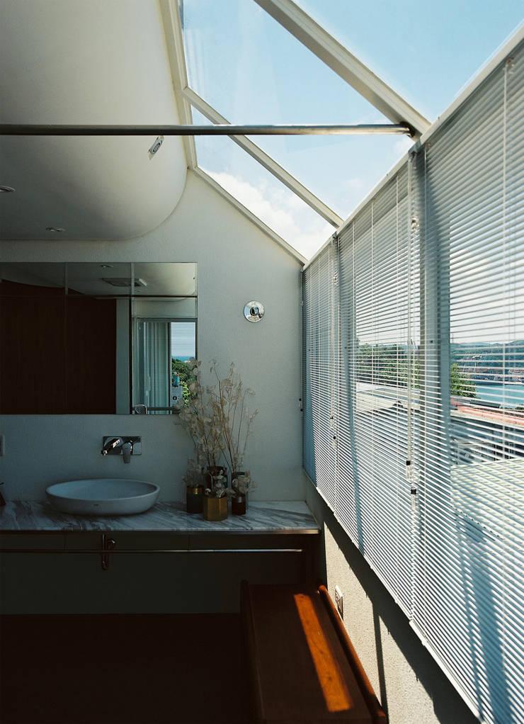 Bathroom by 鄭士傑室內設計