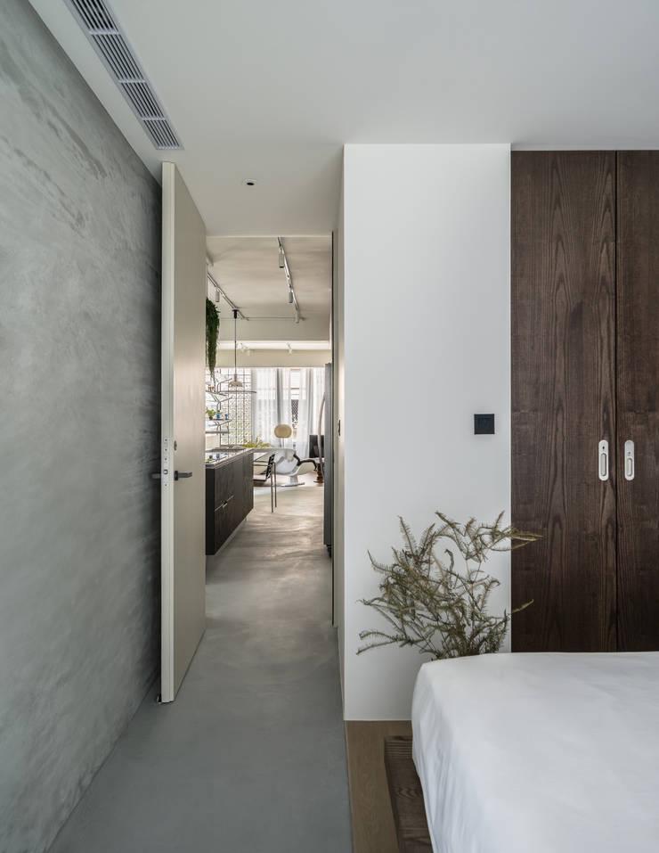 Dormitorios de estilo  de 鄭士傑室內設計