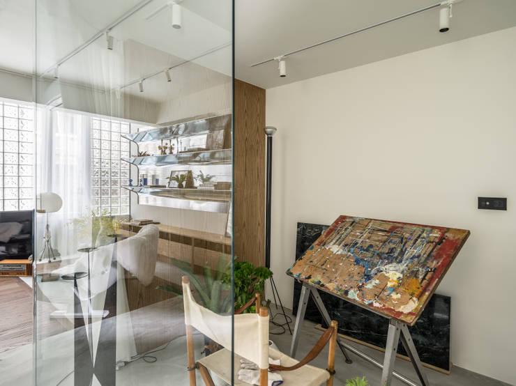 Gimnasios domésticos de estilo  de 鄭士傑室內設計