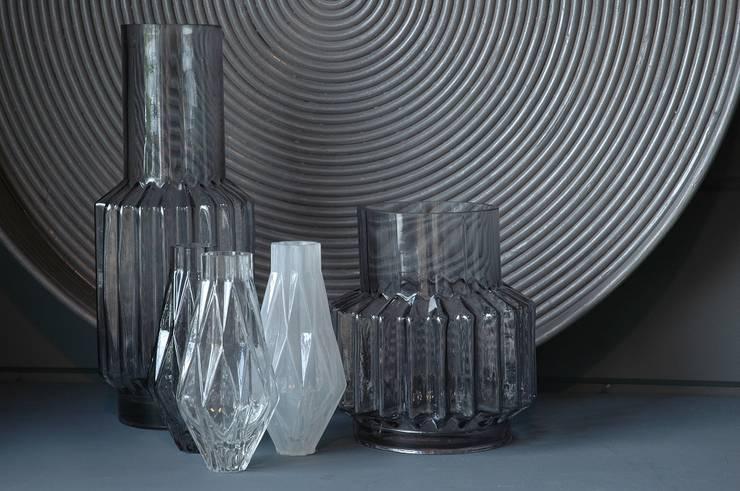 Goround is een interieurlabel dat producten ontwerpt en ontwikkelt voor in huis: modern  door Groothandel in decoratie en lifestyle artikelen, Modern