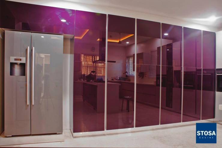 Stosa Cucine India. Latest Installation at Indore: modern Kitchen by cmd