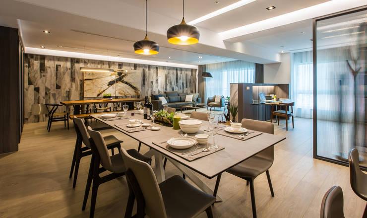 19 石久設計:  餐廳 by 石久設計