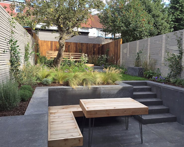 Bespoke Western Red Cedar hairpin leg table and built in floating bench:  Garden by Tom Massey Landscape & Garden Design