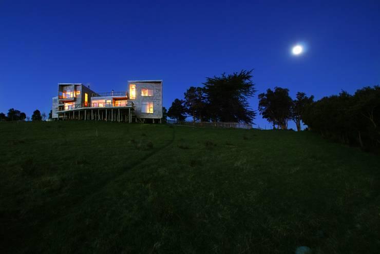 Casa Muelle: Casas de estilo  por Jonás Retamal Arquitectos