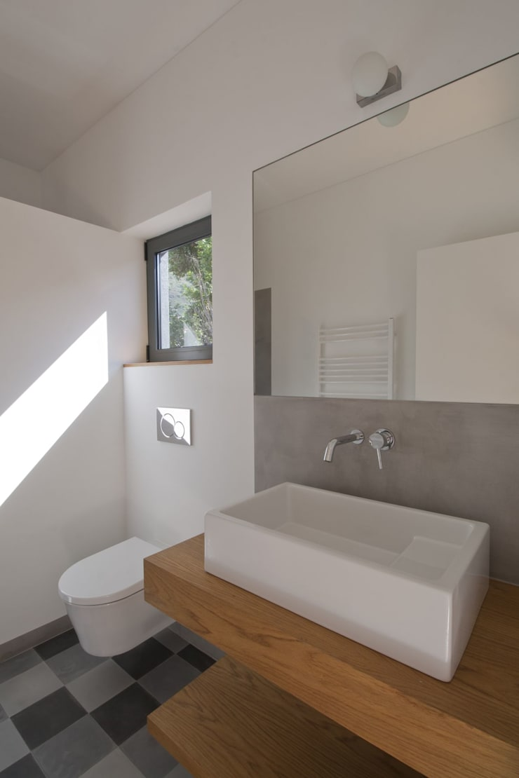 Casa de Banho_Estúdio: Casas de banho  por Mayer & Selders Arquitectura