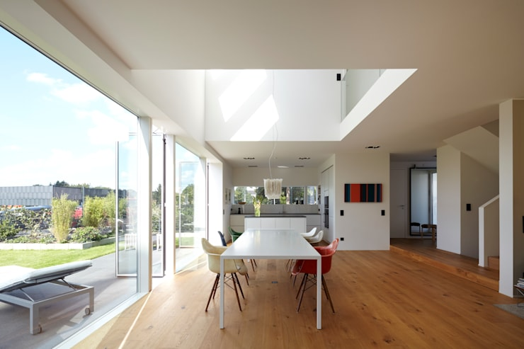 moderne Eetkamer door Lioba Schneider