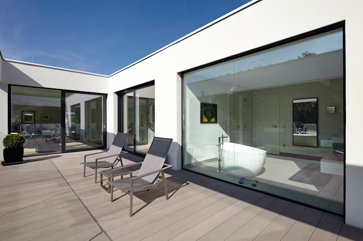 Villa S.:  Terrasse von Lioba Schneider ,Modern