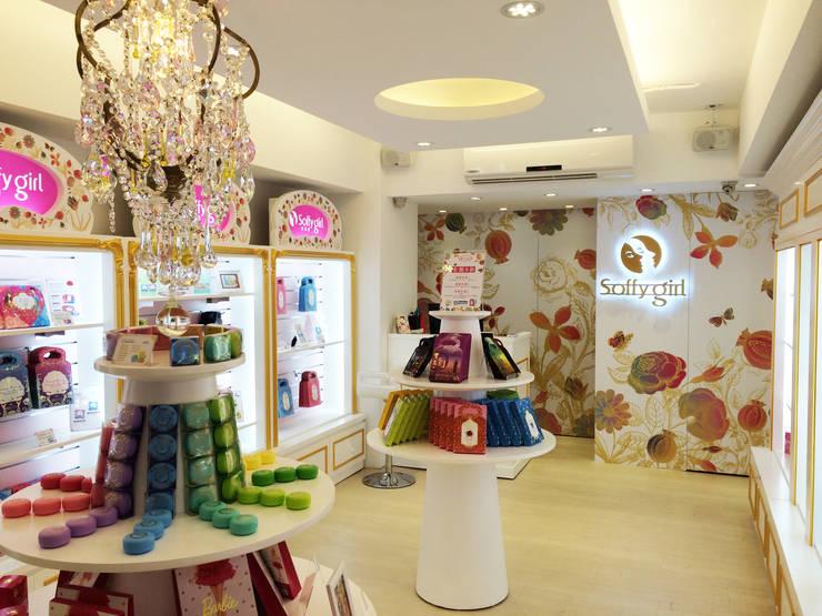 Shopping Centres by 双設計建築室內總研所