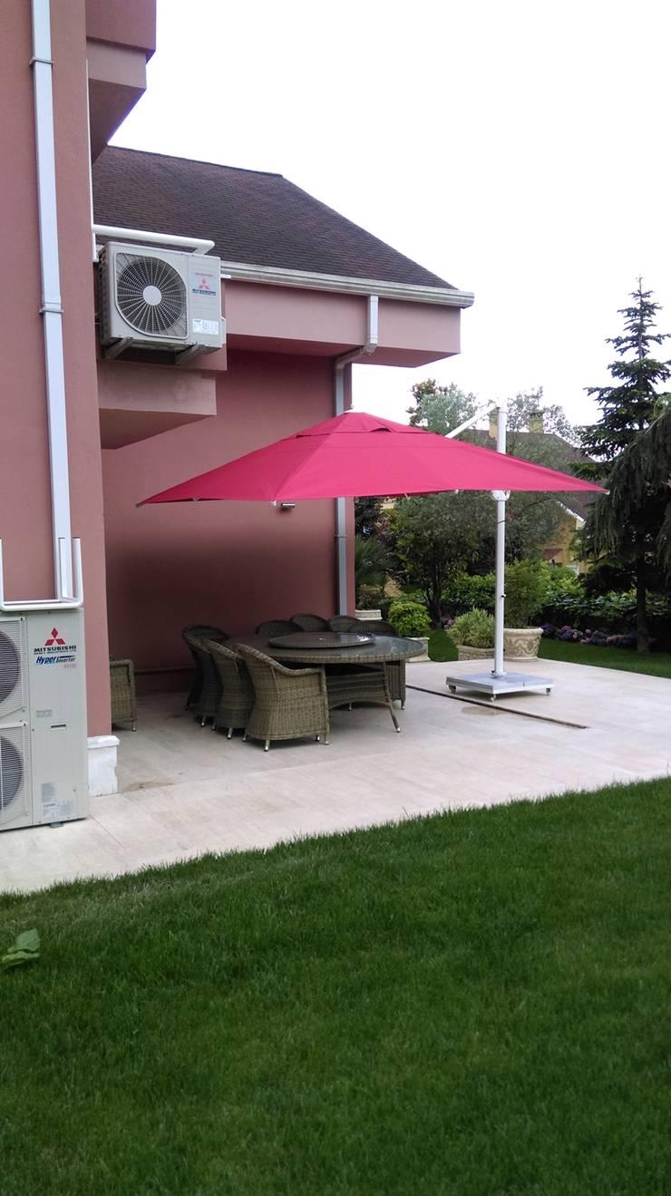 Akaydın şemsiye – SunCool Bahçe Şemsiyeleri: modern tarz , Modern Aluminyum/Çinko