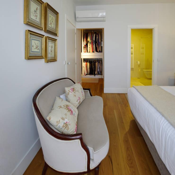 Dormitorios de estilo moderno por MapOut