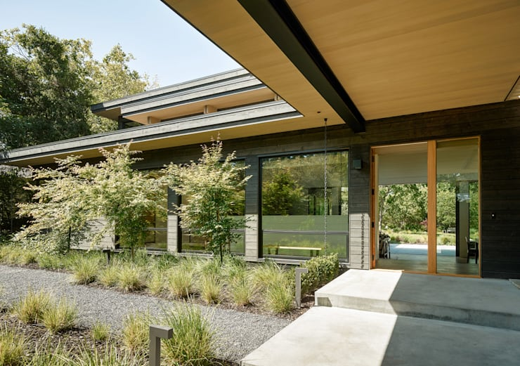 Portola Valley Ranch:  Gym by Feldman Architecture