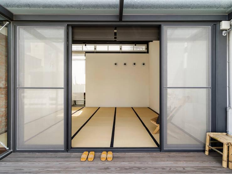 台南 funfuntown:  商業空間 by 鄭士傑室內設計