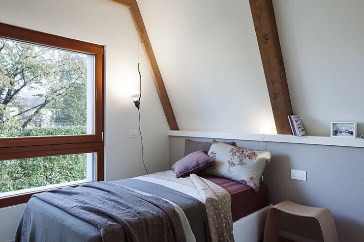 Projekty,  Sypialnia zaprojektowane przez Moretti MORE