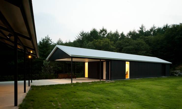 횡성공방: SIE ARCHITECTURE의  주택,모던