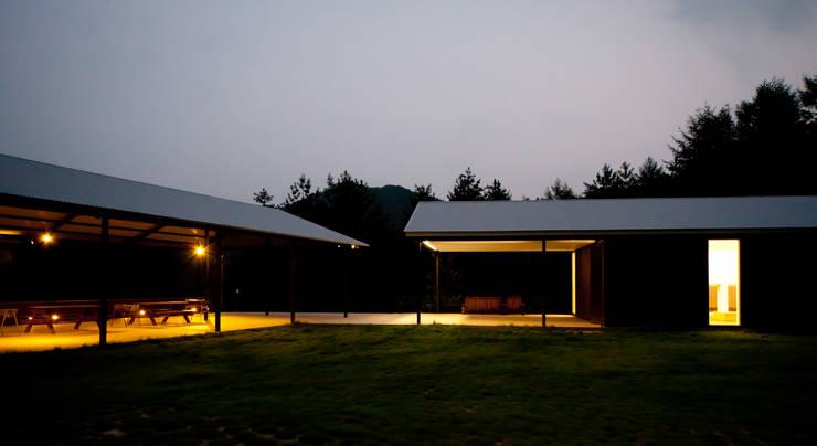 횡성공방: SIE ARCHITECTURE의  주택