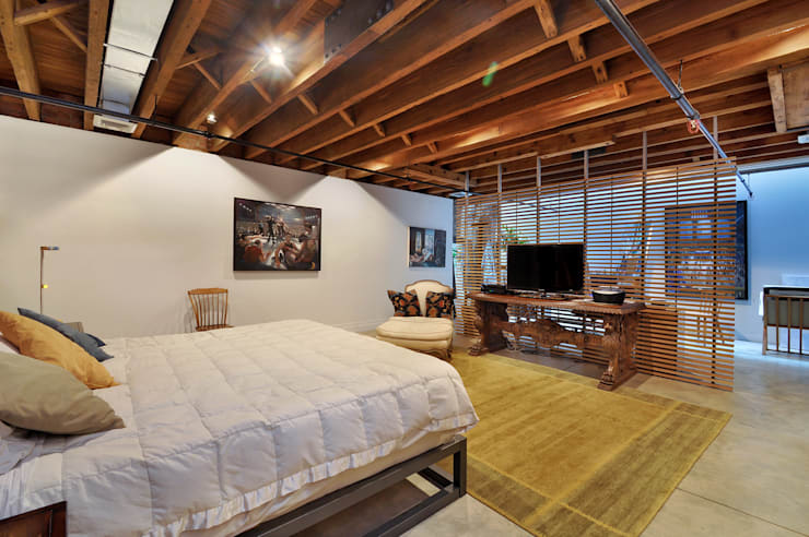 Peabody Loft and Studio:  Bedroom by SA-DA Architecture
