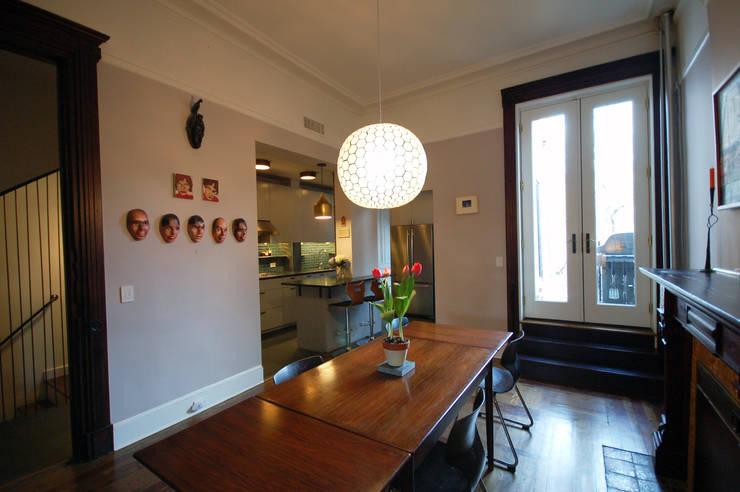 Washington Avenue Brownstone:  Dining room by SA-DA Architecture