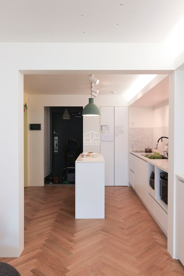 현대적인 유럽풍 느낌의 2인테리어 이사후_25py: 홍예디자인의  주방,모던