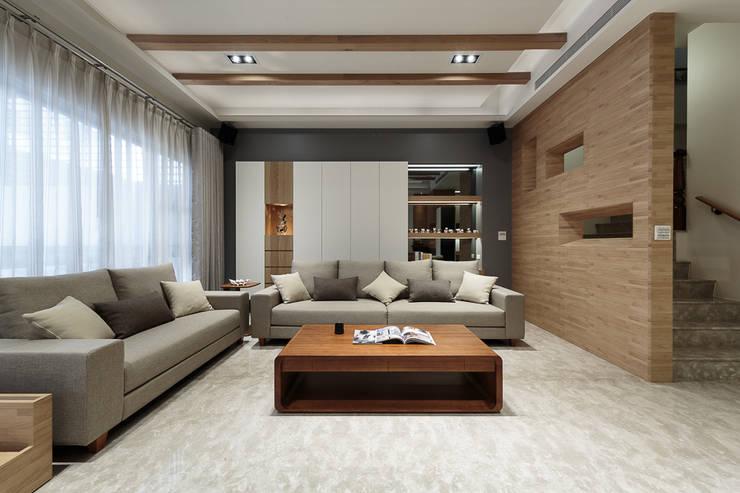 無印良品風:  客廳 by IDR室內設計