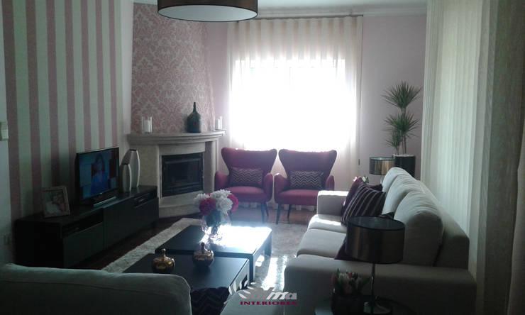 Sala SPRING: Sala de estar  por Palma Interiores