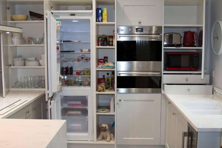 Кухни в . Автор – ADORNAS KITCHENS