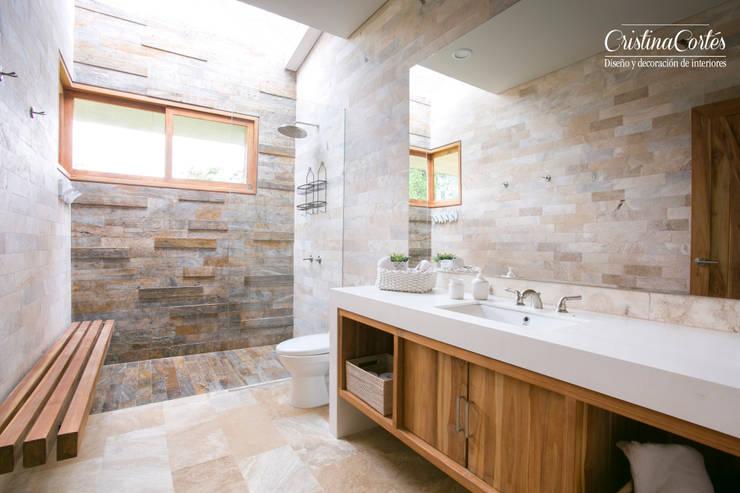 Baño : Baños de estilo  por Cristina Cortés Diseño y Decoración