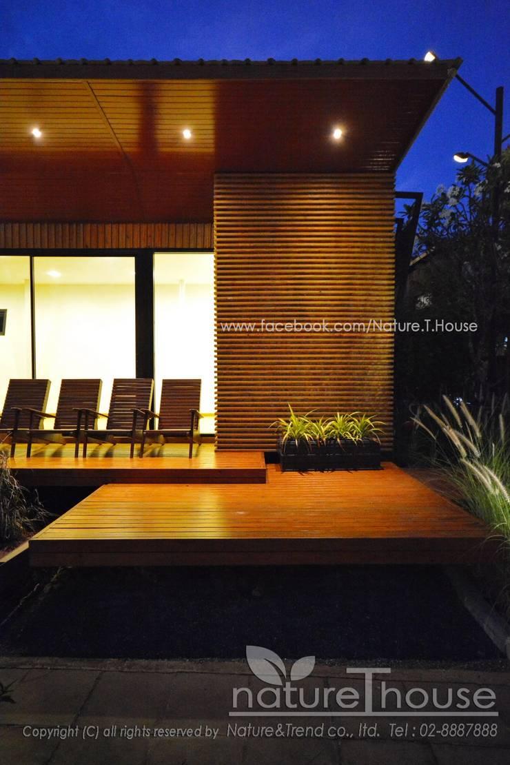 บ้านสำเร็จรูป Life Box Series:   by บริษัท เนเจอร์แอนด์เทรนด์ จำกัด
