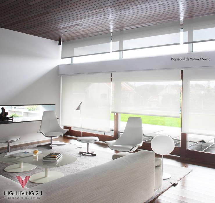 Tejido Solar 3000-3 White: Salas de estilo  por Vertilux México