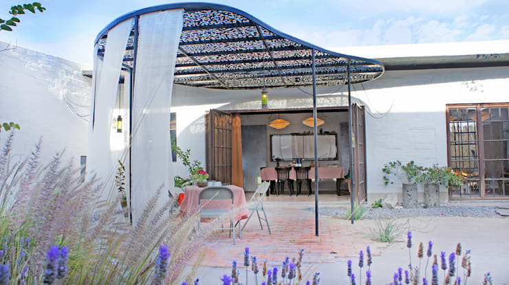 Casas de estilo  por Juan Carlos Loyo Arquitectura,
