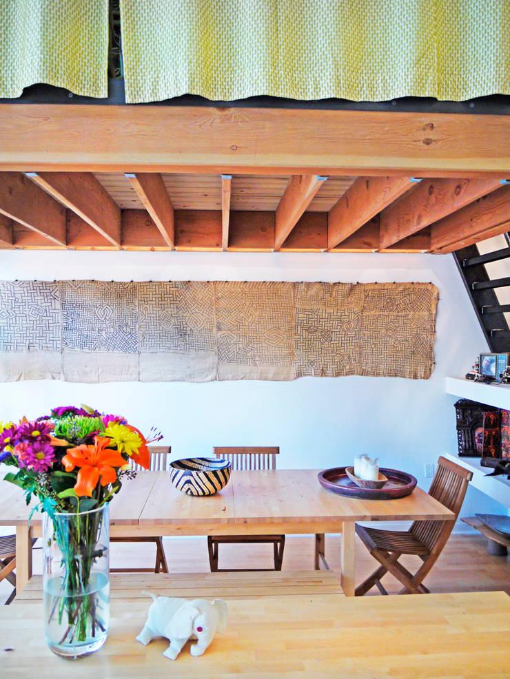 Loft LA - Juan Carlos Loyo Arquitectura: Comedores de estilo  por Juan Carlos Loyo Arquitectura