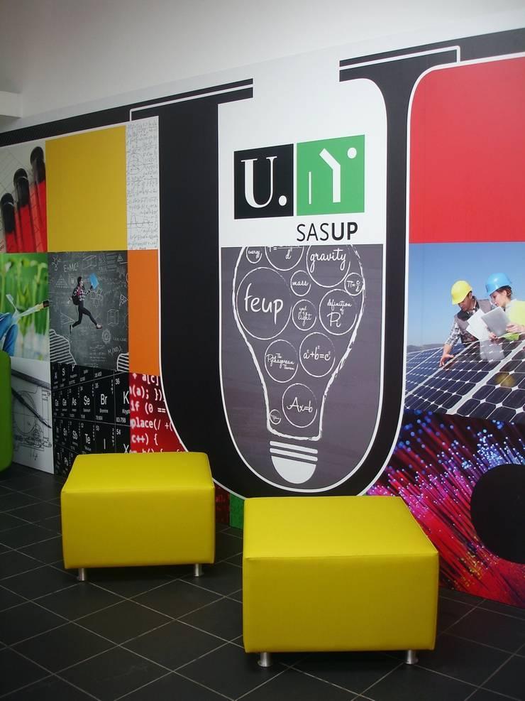 Mobiliário e decoração: Escolas  por Área77 - arquitectura, engenharia e design, lda