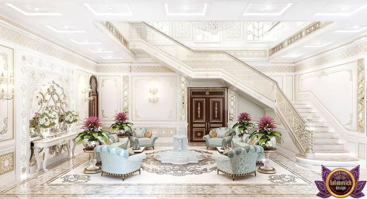 Villa Interior design in UAE of Katrina Antonovich:  Corridor & hallway by Luxury Antonovich Design, Classic