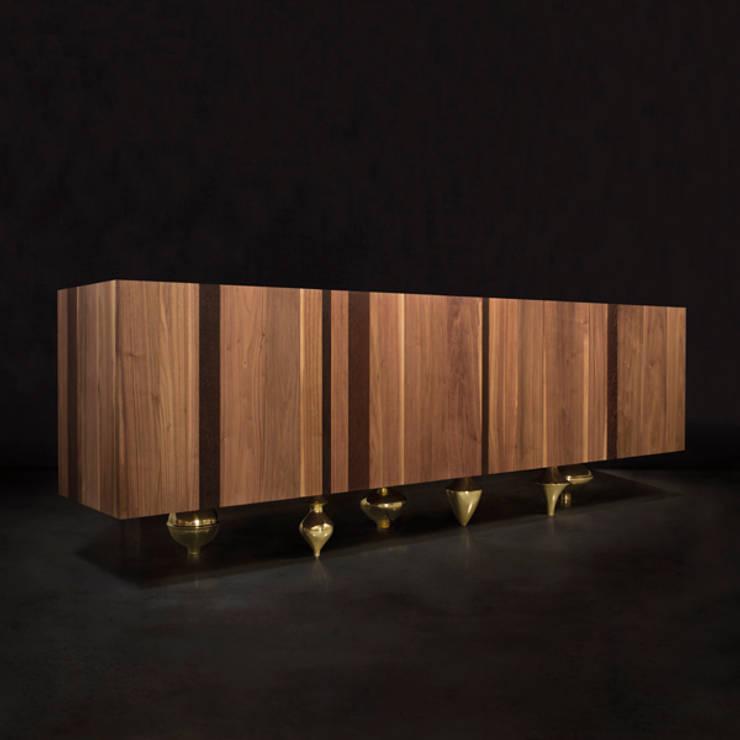 Il Pezzo 1 Credenza:  Living room by Il Pezzo Mancante Srl ,