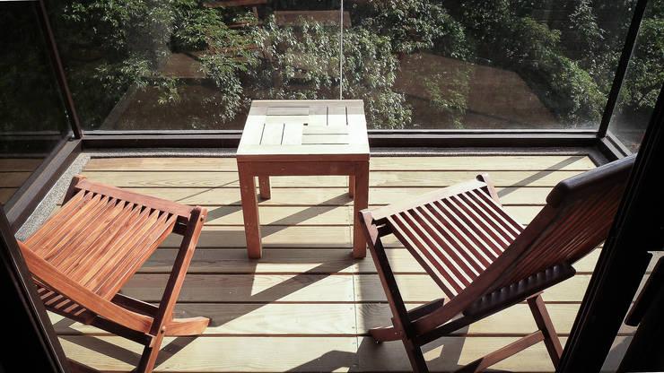 Terrasse de style  par 璞碩室內裝修設計工程有限公司