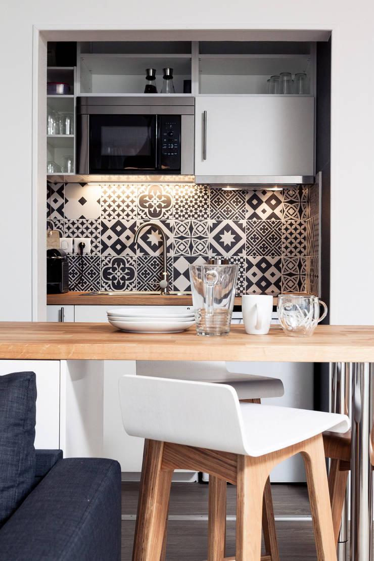 Kitchen by MadaM Architecture, Scandinavian