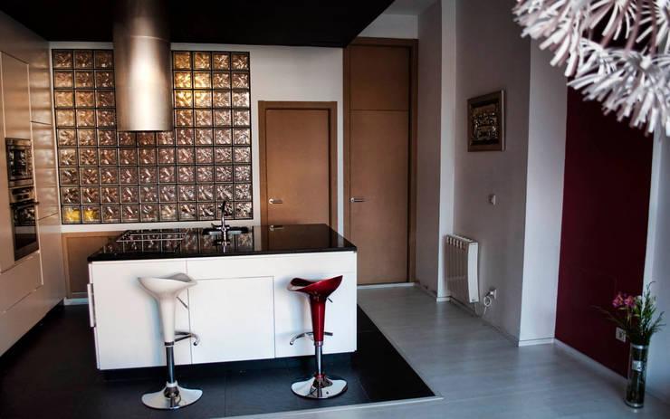 Cuisine de style  par Intra Arquitectos, Moderne