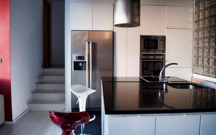 ห้องครัว โดย Intra Arquitectos, โมเดิร์น