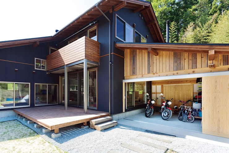 Projekty,  Garaż zaprojektowane przez 株式会社 建築工房零