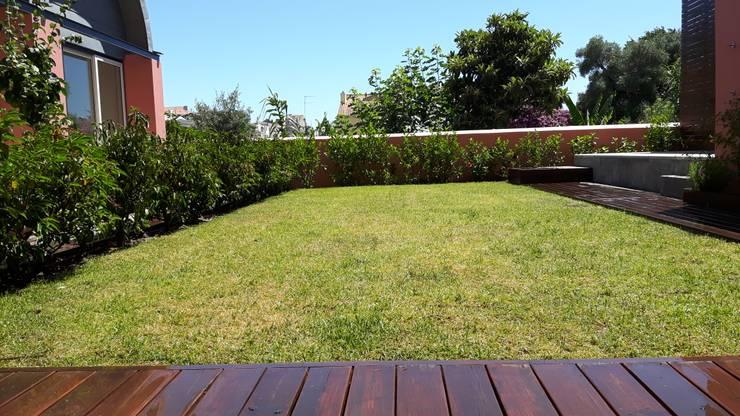 Hello Lisbon São Bento Valley Boutique Apartments:   por Jardins do Paço