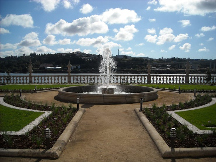 Palácio do Freixo:   por Jardins do Paço
