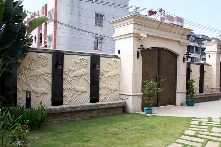 歐式古典建築及室內設計家具配置:  庭院 by 傑德空間設計有限公司