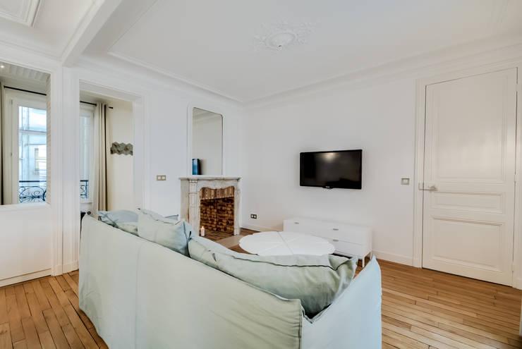 modern Living room by ATELIER FB