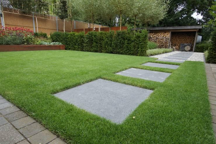 สวน by GroenerGras Hoveniers Breda