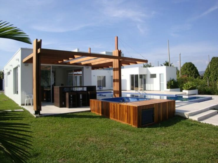 modern Pool by homify