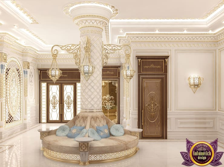 House design of Katrina Antonovich:  Corridor & hallway by Luxury Antonovich Design, Classic