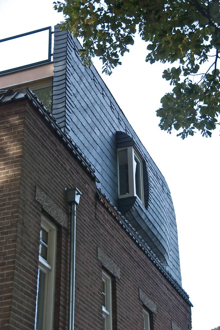 dakopbouw:  Slaapkamer door HSH architecten, Modern