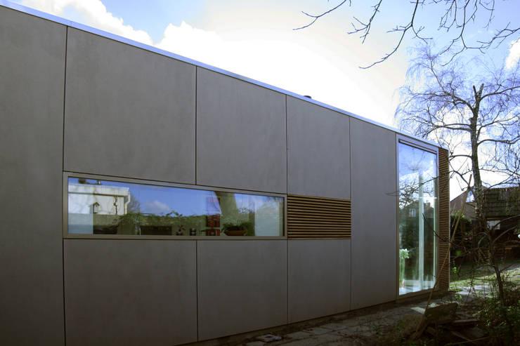 zijgevel:  Huizen door HSH architecten, Modern Houtcomposiet
