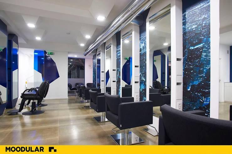 Moodular - Urban Studio: Lojas e espaços comerciais  por MOODULAR