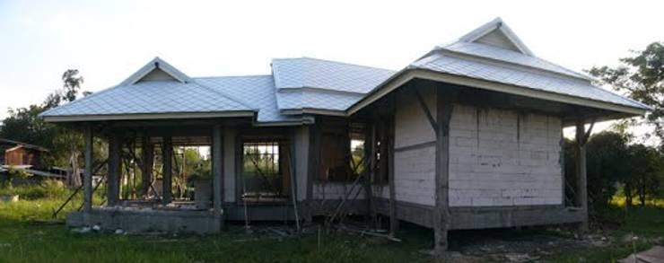 ก่อผนังอิฐมวลเบา:   by สำนักงานสถาปนิกอนุชา